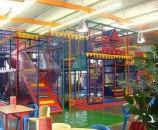 Des parcs d'attractions, parcs de loisirs, animaliers, aquatiques ou à thèmes